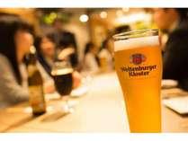 1Fグリルテーブル クワトロ たくさんの国のビールとグリル料理をご堪能ください