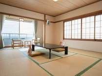 *和室/全室オーシャンビューのお部屋。畳でゆっくり足を伸ばせます。