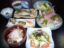 *夕食一例/近海で獲れた新鮮な魚はぜひお刺身で♪
