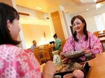 【華咲の湯内:和食・麺処「浜八景」】麺類や丼物、定食など、ランチやお夜食にご利用下さい。