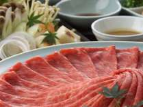 近江牛黒毛和牛を使ったすき焼きが人気!すき焼きのプランはしゃぶしゃぶにも変更可。(一例)
