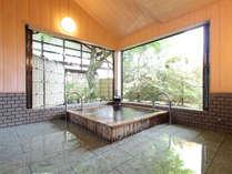 ■貸切風呂■~楓の湯~ 6名様まで入れる大きめのお風呂。
