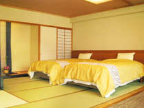 【山側◇和室ベッドルーム】和洋の快適さが織りなすゆとりの空間