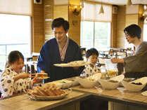 ■朝食イメージ■好きなものを好きなだけ♪「豆富屋さんのバイキング」では豆乳パンや出来立て豆富が人気♪