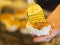"""■朝食■味噌焼きおにぎり。""""2年物の自家製""""味噌をふんだんにつかった絶品・焼きおにぎり"""