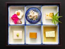 """■料理一例■豆富珍品の盛り合わせ。豆富料理にこだわる当館だからできる""""様々な豆富の愉しみ方"""""""