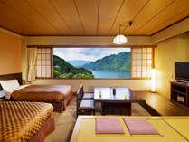 """■湖側和洋室■ベッドで寝ころびながらでも和室でゆっくり一息をついていても""""湖の絶景が楽しめる"""""""