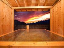 ■檜の露天風呂つき貴賓室-風花-■移りゆく空を眺めながら、癒しのひとときを独り占め