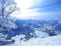 岩原スキー場飯士山山頂から望む、谷川連峰!まさに絶景!