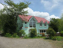平成24年5月屋根の葺き替えと外壁の塗装工事を行いました。