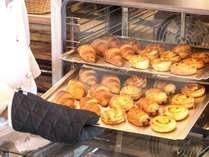 ホテルブエナビスタの焼きたてパンをお出ししております!
