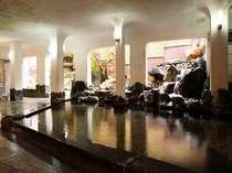 大浴場『瑠璃』 セブンストーン(7つの大岩)の大浴場~ゆったりとした時間が過ごせます