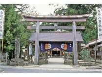 鏡が池の恋占いで知られる八重垣神社。スサノオノミコトがヤマタノオロチを退治した伝説が残る。