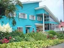 花や緑に囲まれた静かな宿。越後・魚沼の観光、レジャー、ビジネス等でお越しの際にご利用下さい。