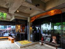 沖縄家庭料理 居酒屋 おかめ(入口)