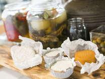 潮風の朝食/カマンベールチーズ、ブルーチーズはスパークリングワインと相性抜群。