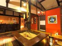 ミシュランにも紹介された古民家風の個室食事処。囲炉裏の周りの個室で、ゆったりとお食事ができます。