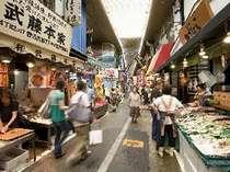 旦過市場内の雰囲気。北九州ならではの地魚、明太子、名物「じんだ煮」などが安く手に入ります!