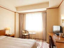 セミダブルルーム一例◇ベット幅140センチですのでお二人様でもゆっくりお休みいただけます。