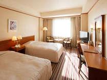ツインルームは24.85平米の広さでゆっくりお寛ぎいただけます。