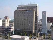 ★JR松山駅より徒歩3分 敷地内に立体&平面駐車場あり