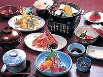 食材を厳選した加賀懐石最上級料理<松コース>