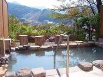 展望露天風呂:野沢温泉随一の眺望!天下の名湯真湯源泉をかけ流してます。