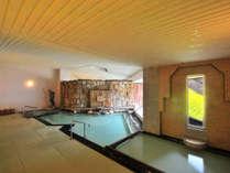 展望「畳」風呂。温泉は源泉100%かけ流し。