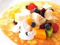 """【朝食】""""パネクーケン"""" フレッシュフルーツ&メープルホイップ"""
