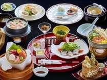 石狩鍋や北海道の形をした氷器に入ったお造りが名物★『北海道味覚会席』