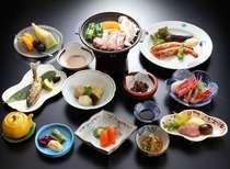 ご夕食イメージです。上州産のもちぶたと舞茸を使った陶板焼きなどをお召し上がりいただきます。