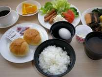 朝食会場【亀の井食堂】にて朝7:00~9:30♪