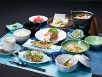 *夕食一例/季節ごとに旬のものが味わえる約13品の和食膳