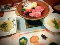 柔らか和牛の陶板焼き。他に和食が10品ほど。