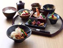 【レストラン】宿泊者限定の夜御膳を各種ご用意しております。1480円~