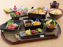 【ホテル1階レストラン 梅田璃泉】ランチおばんざい御膳