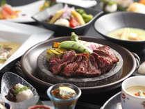 【ホテル1階レストラン 梅田璃泉】ディナータイムは接待や御食事会にピッタリのコース料理をご用意。
