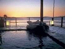 ☆湖上露天風呂☆ 【朝陽】風呂から見る日の出は絶景♪1日の始まりを♪