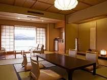 ◆◆湖上閣◆◆  和室12畳タイプ お部屋から東郷湖がご覧頂けます。