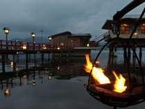★湯めぐり湖道★夕方は篝火が♪