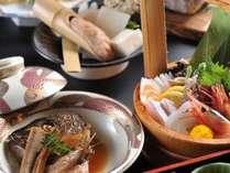 【季節の会席料理】望湖楼の定番鯛の荒煮も付いています!