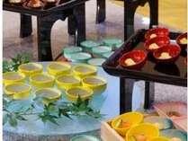 ■お食事処 山餐(さんさん)亭■小鉢のセミブッフェ一例。