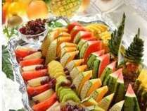 ■お食事処 山餐(さんさん)亭■食後のフルーツも沢山ございます。