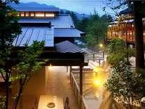 2011年7月オープン♪涼やかに「川床ディナー」が満喫できる別邸レストラン「山餐亭」