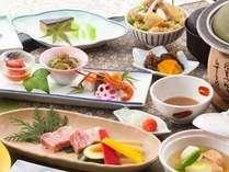 部屋食は、和食膳13品