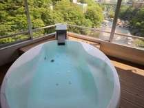 ■展望風呂付コーナースウィートはんなり■2014年春リニューアルオープンの展望風呂付客室。