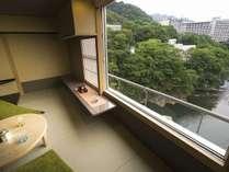 ■ゆくりAタイプ■ 2015年5月リニューアルオープンの新客室。4名定員絶景の鬼怒川渓谷側のお部屋