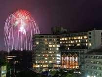 【緊急朗報】8/31土 21:00~30分間。今年中止になった花火が一斉に上がります!