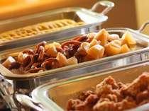 地元の食材を使った手作り惣菜はなつかしのおふくろの味です
