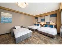 ダブルサイズのベッド(1390*1960*210)×2、ソファーベッド×1